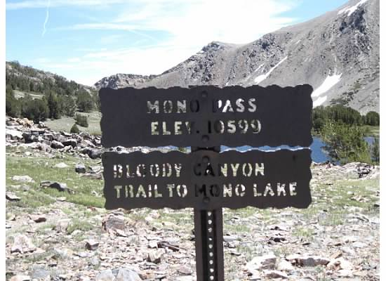 Informational trailhead sign.